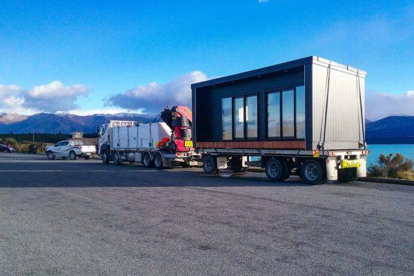 Elevate_transport_logistic_services_crane_truck_1