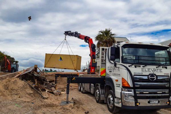 Elevate_transport_logistic_services_crane_truck_11