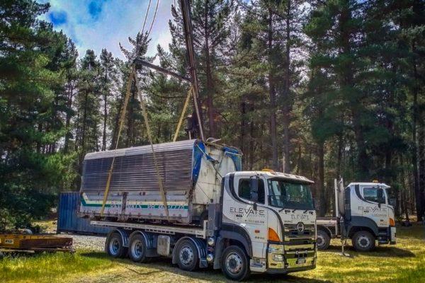 Elevate_transport_logistic_services_crane_truck_19