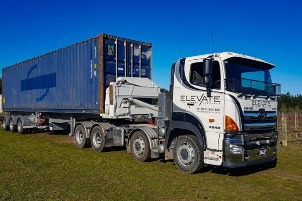 Elevate_transport_logistic_services_crane_truck_2
