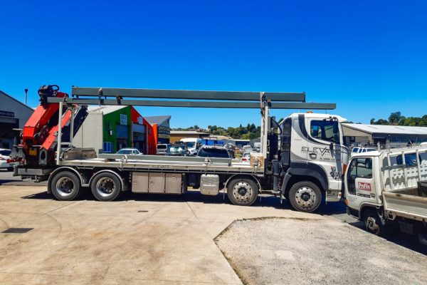Elevate_transport_logistic_services_crane_truck_25