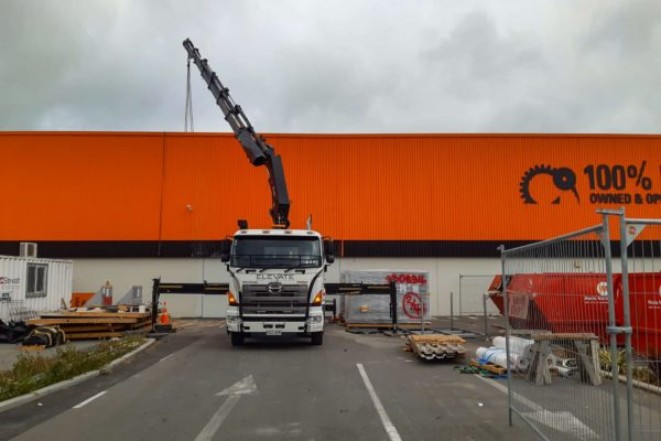 Elevate_transport_logistic_services_crane_truck_28