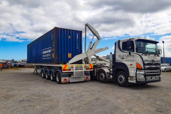Elevate_transport_logistic_services_crane_truck_3