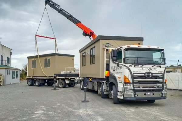 Elevate_transport_logistic_services_crane_truck_35