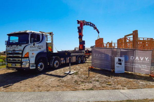 Elevate_transport_logistic_services_crane_truck_45