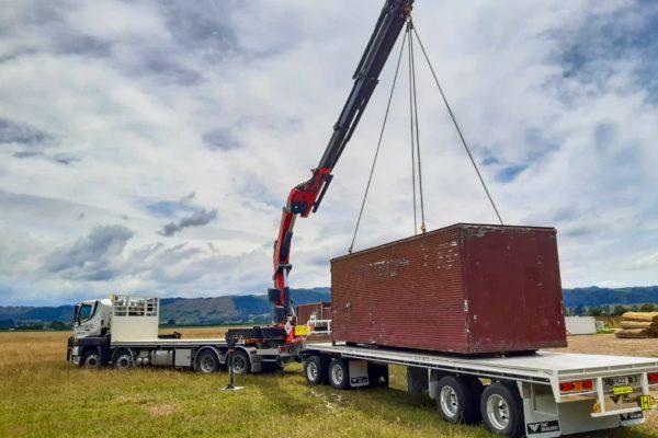 Elevate_transport_logistic_services_crane_truck_46