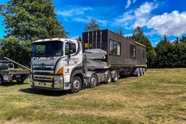 Elevate_transport_logistic_services_crane_truck_49