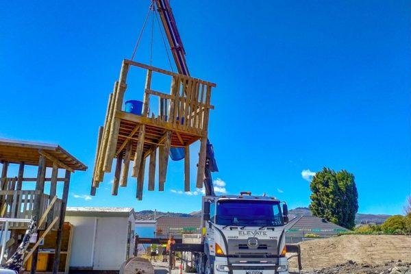 Elevate_transport_logistic_services_crane_truck_8