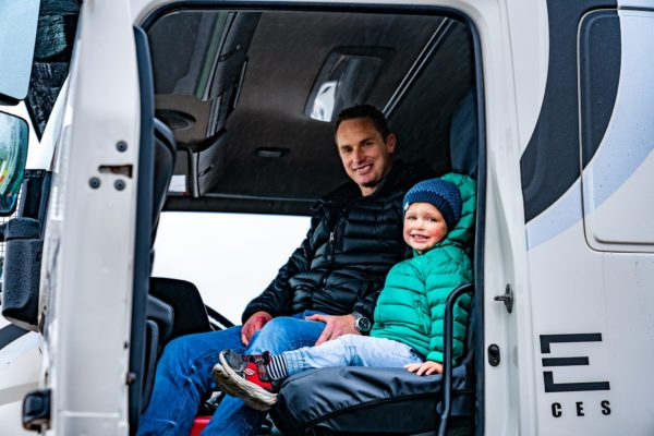 elevate_crane_truck_services_family_day_small_15