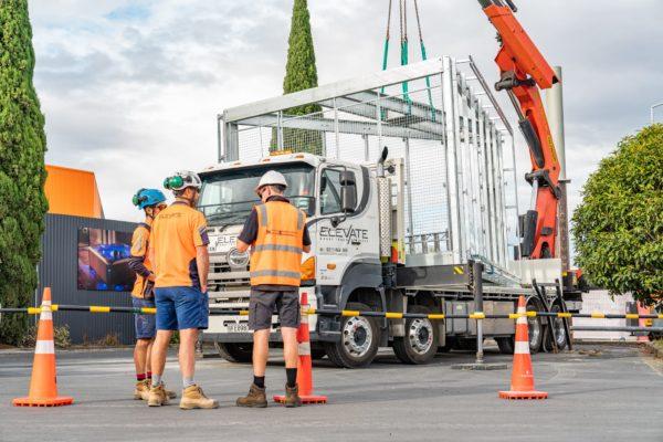 new_billboard_lift_elevate_crane_truck_transport_38