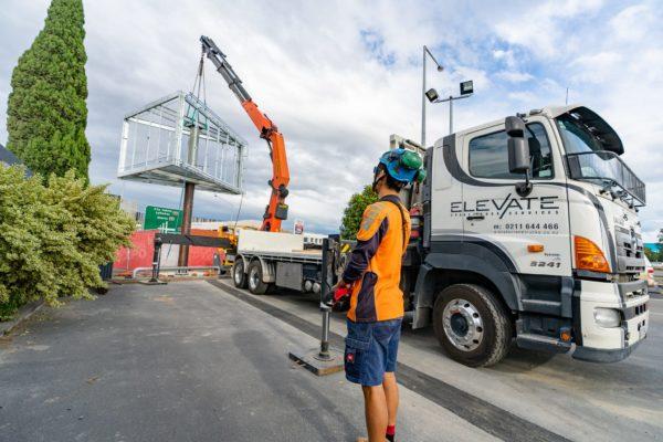 new_billboard_lift_elevate_crane_truck_transport_53